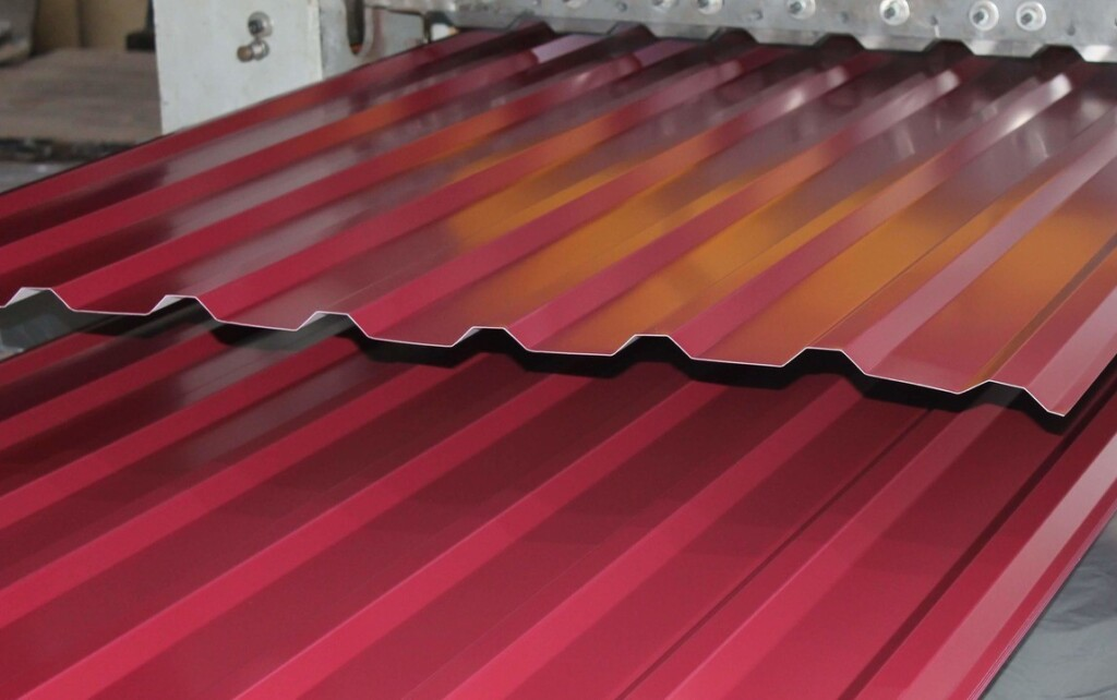 Оцинкованные листы с полимерным покрытием. В чем разница от окрашенных?